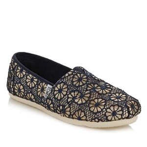 *RARE* TOMS Navy & Gold Crochet Glitter Shoes 4.5Y